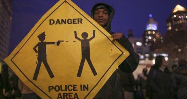 Amerika Ferguson'da protestolar devam ediyor!