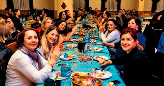 YENİMEK'li eğitimcilere özel yemek