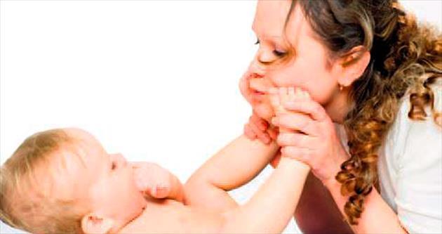 Mutlu ses ve yüzler, bebek hafızası için bire bir