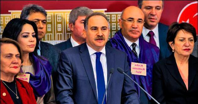 CHP, güvenlik ve yargı paketlerini AYM'ye götürecek