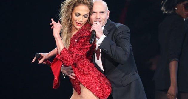 Jennifer Lopez'den nefes kesen şov