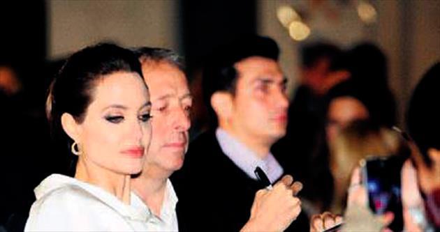 İngilizler'in Jolie çılgınlığı