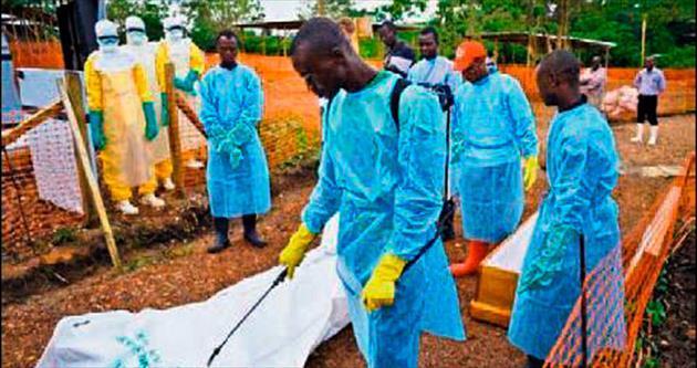 Ebolalı cesetler sokağa bırakıldı