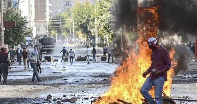 Kobani eylemcilerine 450 yıl!