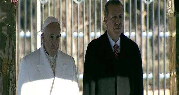 Erdoğan'dan Papa'ya atlı karşılama