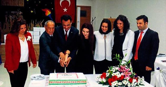 Öğretmenlerin özel günü için özel kutlama yapıldı