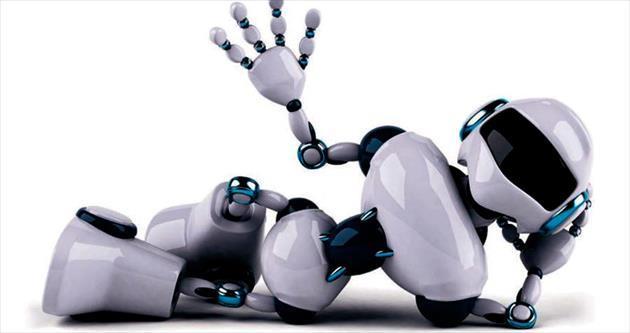 Robotlar beş yıl insan gibi yaşadı
