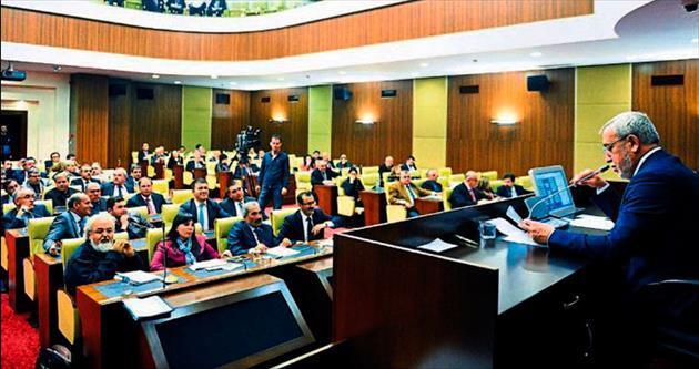 Meclis üyelerine Büyükşehir'den yemek