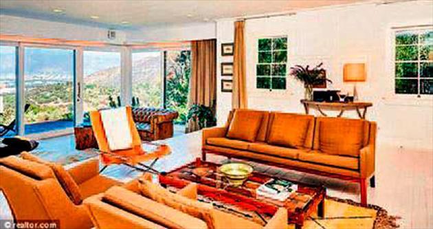 Hollywood'daki evini satışa çıkardı