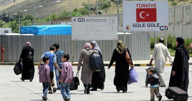 400 Suriyeli mülteci evlerine döndü