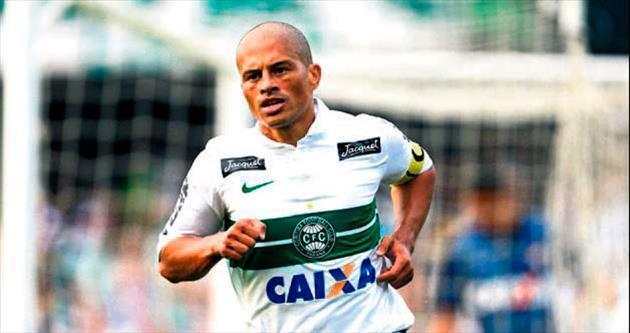 Alex de Souza yeşil sahalara veda ediyor