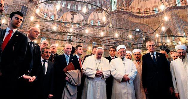 Turizme Papa ve Putin dopingi