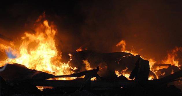Fabrika tankında yangın: 2 yaralı