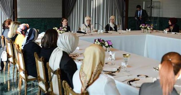 Emine Erdoğan'dan STK temsilcilerine yemek