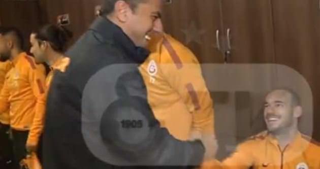Sneijder ayağa kalkmadı