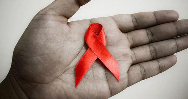 AIDS, en erken ağız içinde belirti veriyor!