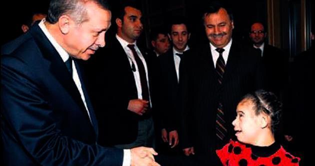 Erdoğan, zihinsel engelli Neslihan'ı kırmadı arkadaşlarıyla konuk etti
