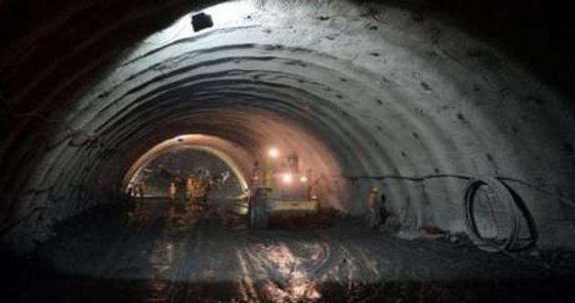 Tünel çöktü, 21 işçi mahsur!