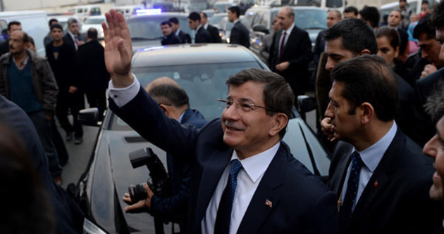 Davutoğlu için 33 saat gösteri yasağı!
