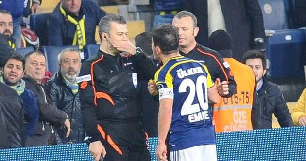 Emre Belözoğlu nasıl 1 maç ceza aldı?