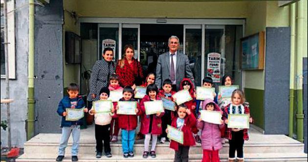 Öğrencilerin sera projesi ziyareti