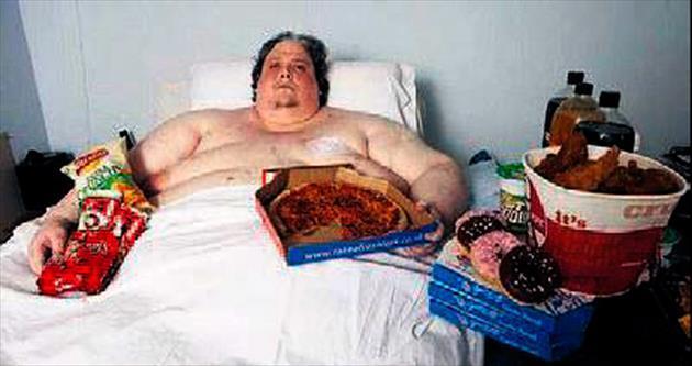 444 kiloluk en şişman adam öldü