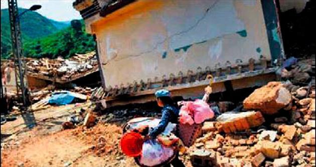 Çin ve Papua Yeni Gine'de deprem