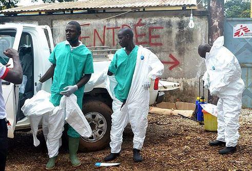 728 Ebola hastası iyileşti