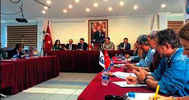Turizm sorunları Kaş'ta tartışıldı