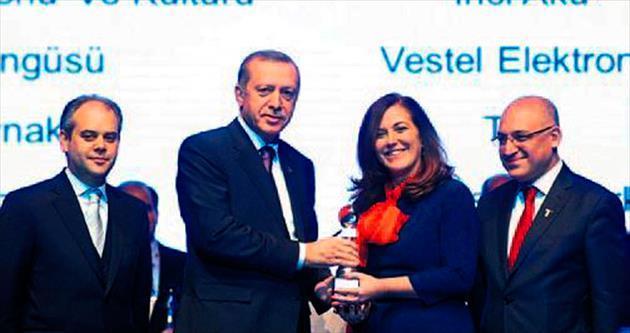 İnci Akü'nün ödülünü Erdoğan verdi