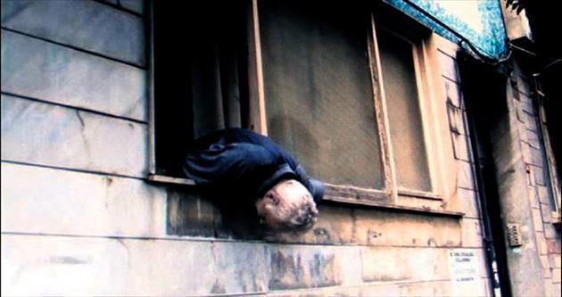 Ölüm pencerede yakaladı