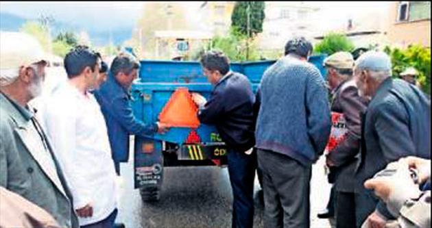 Traktör sürücüleri eğitimden geçirildi