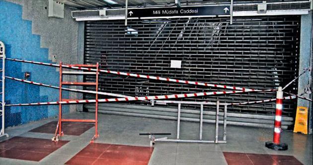 Metro geçişi tadilat nedeniyle kapalı