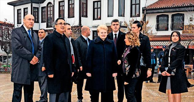 Litvanya Cumhurbaşkanı Hamamönü'nü beğendi