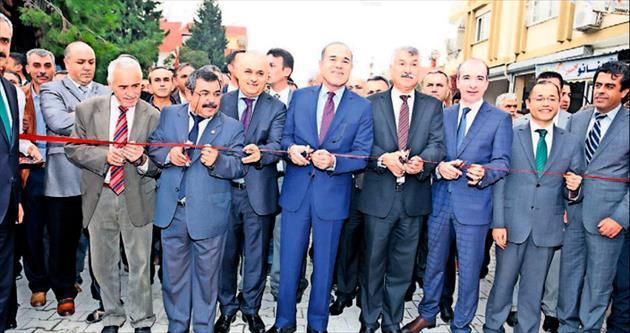 Meydan Caddesi'ne iki başkanlı açılış