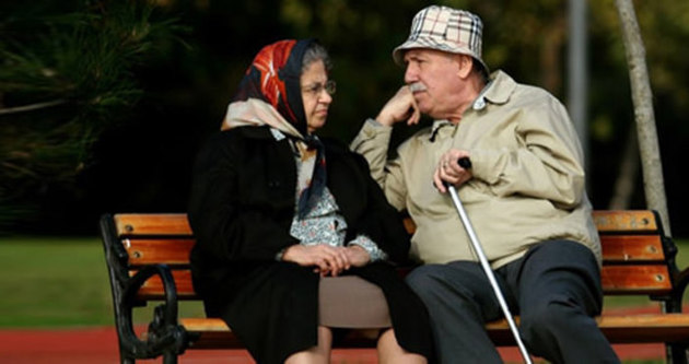 Emekliye çifte zam müjdesi yolda