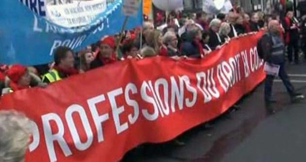 Binlerce Fransız avukattan protesto!