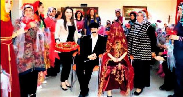 Pursaklar'da 'kına gecesi' yapıldı