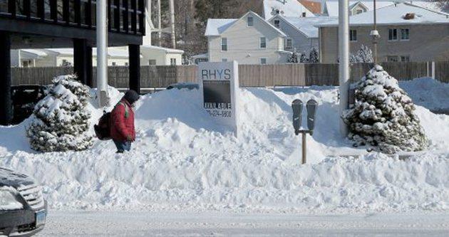 California'da kar hayatı felç etti