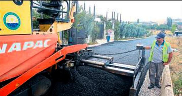 Gölbaşı'nda asfalt çalışması sürüyor