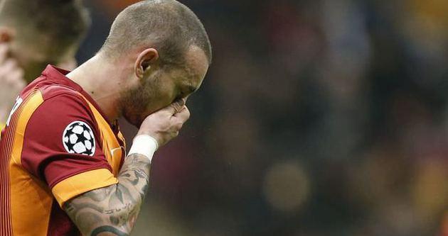 Sneijder'den Galatasaray'ı karıştıran hareket