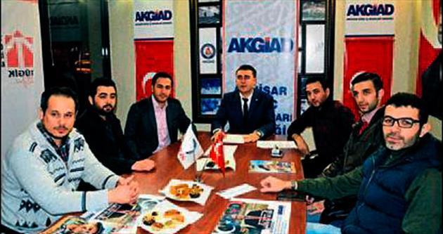 Mehmet Ali Talat Akhisar'a geliyor