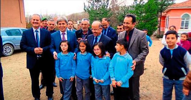 Vali Ali Kolat'tan Ahılı'ya destek