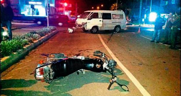 2 kardeş kazada yaralandı