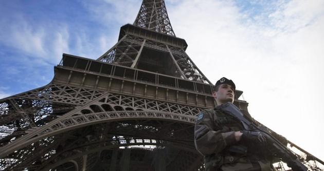 IŞİD'e Fransa'da şok baskın!