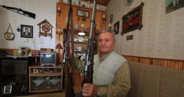 Dedesinin silahları için müze kurdu