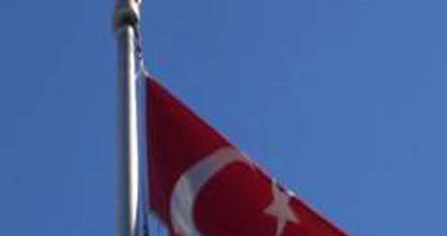 Türk Bayrağı'nı indiren şahıs yakalandı!