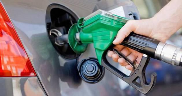 Benzin fiyatları 29 ay öncesine döndü