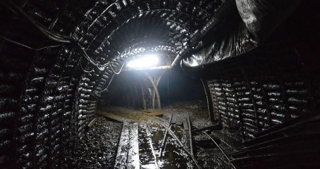 İşsiz kalan madenciler yer altında eylem başlattı
