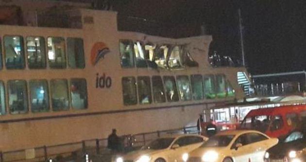 Arabalı vapur yük gemisiyle çarpıştı